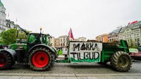 Traktorer demonstrerte foran Stortinget