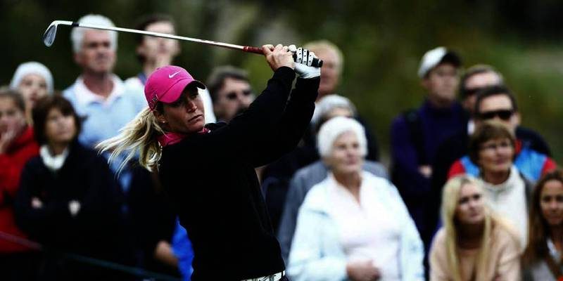 Bildet viser «Tutta» i hennes egen turnering på Bogstad sist helg. Suzann «Tutta» Pettersen gikk av banen i golf-turneringen British Open fredag.
