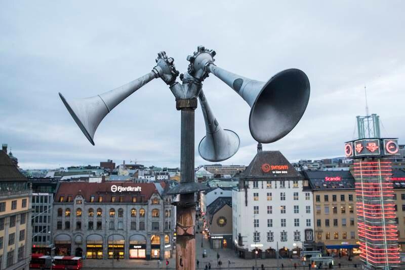 En tyfon, på folkemunne kalt flyalarm, på taket av Østbanehallen i Oslo. I fredstid tester Sivilforsvaret alle landets tyfoner to ganger i året, klokken 12 den andre onsdagen i januar og juni. Foto: Håkon Mosvold Larsen / NTB
