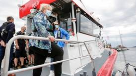 Erna Solberg ber båtfolket ta ansvar