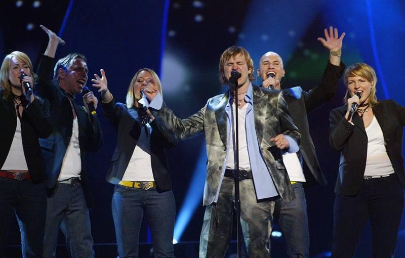 Bildet viser Knut Anders Sørum på scenen i 2004.