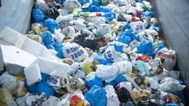 Vi kaster mer søppel enn noen gang